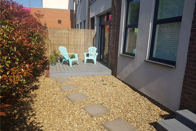 Thumbnail Flat for sale in Admiral House, Upper Charles Street, Camberley