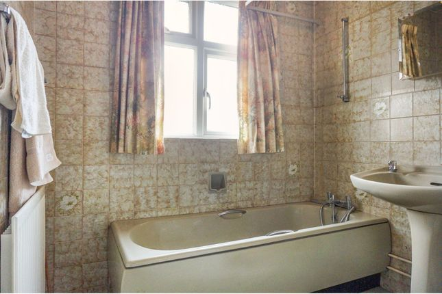Family Bathroom of Winchester Road, Upper Shirley, Southampton SO16