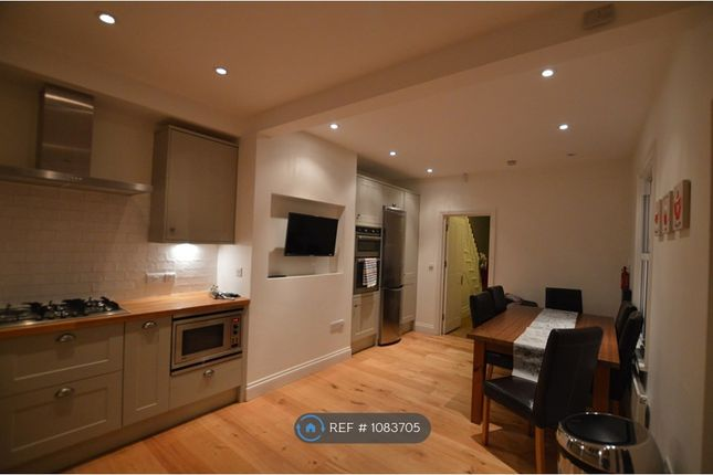 Room to rent in Chisholm Road, Croydon CR0