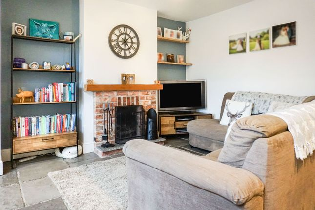 Living Area of Leicester Road, Thurcaston LE7