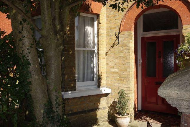 Thumbnail Flat to rent in Cargate Avenue, Aldershot