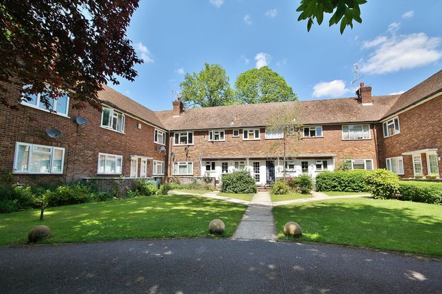 Thumbnail Maisonette to rent in Shaftesbury Road, Woking