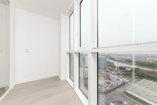 Thumbnail Property for sale in Wandsworth Road SW8,