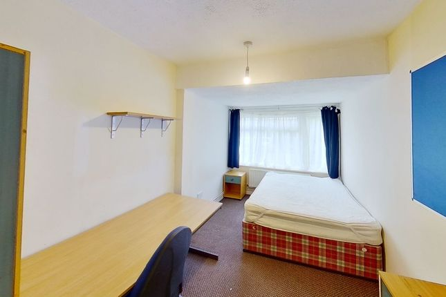 Thumbnail Semi-detached house to rent in Guildford Park Avenue, Guildford