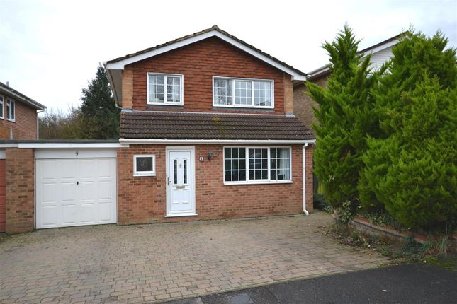 Thumbnail Link-detached house for sale in Tulip Close, Basingstoke