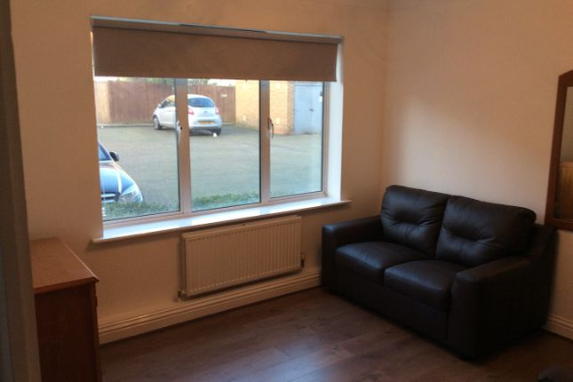 Thumbnail Town house to rent in Freeman Court, Islington, Holloway, North London
