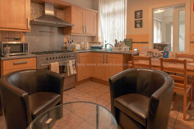 Thumbnail Detached house to rent in Wallness Lane, Salford