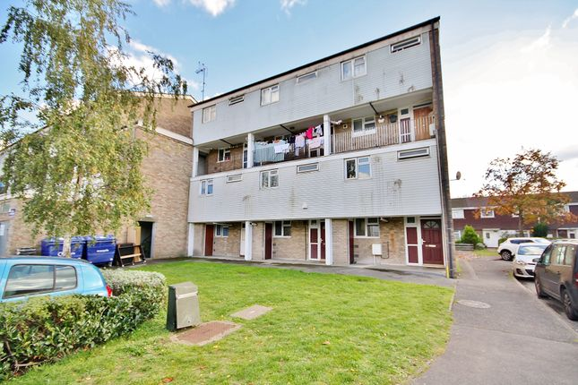 Thumbnail Maisonette for sale in Brookfield, Horsell, Woking