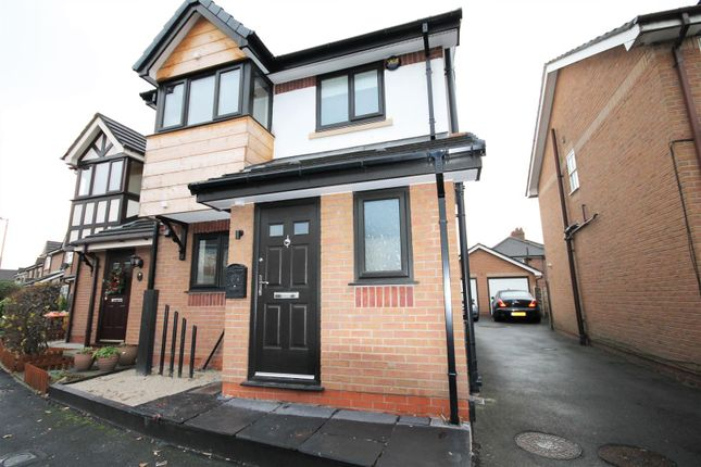 Thumbnail Semi-detached house to rent in Bradgreen Road, Eccles, Manchester