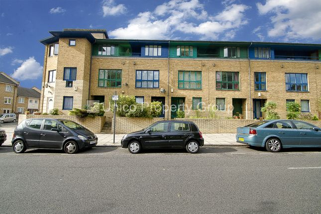 Thumbnail Terraced house to rent in Parnell Road, Bow