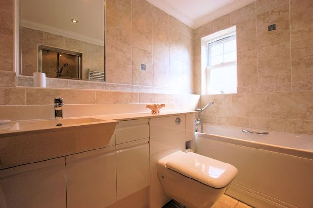 Bathroom of Catisfield Road, Fareham PO15