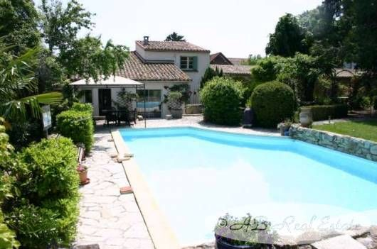 Thumbnail Commercial property for sale in 11000 Carcassonne, France