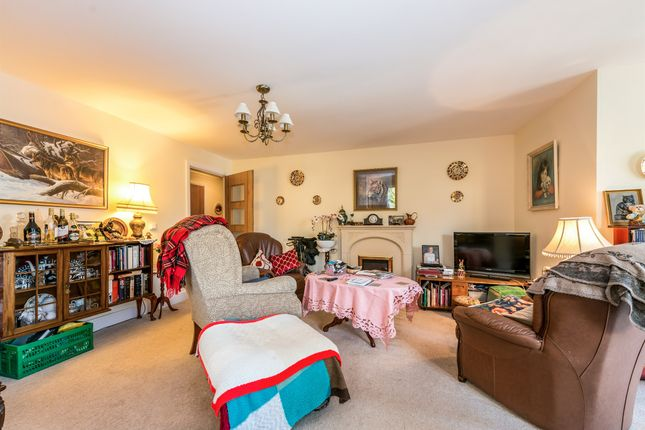 Thumbnail Flat for sale in Wellingborough Road, Northampton