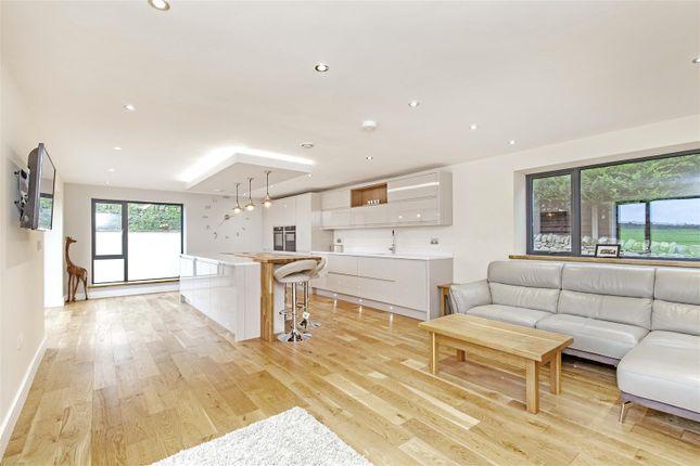 Cedar House-20 of Tinkley Lane, Alton, Chesterfield S42