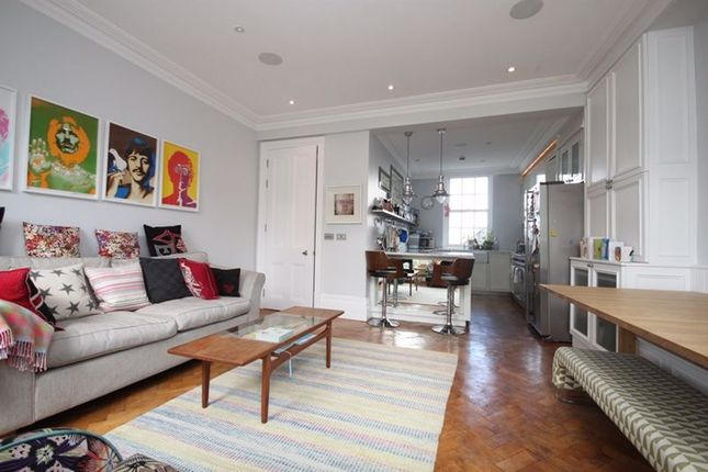 Thumbnail Flat to rent in Gloucester Avenue, London