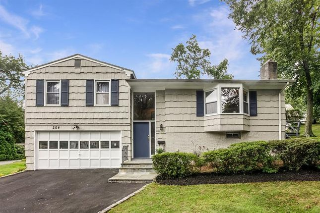 Thumbnail Property for sale in 204 Hickory Grove Drive Larchmont, Larchmont, New York, 10538, United States Of America