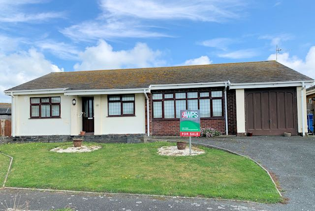 Thumbnail Detached bungalow for sale in Plas Edwards, Twywn