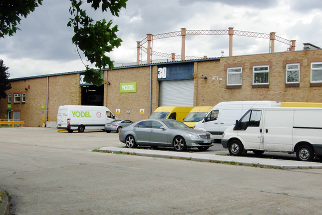 Thumbnail Light industrial to let in Units 28-32 Kent Park Industrial Estate, Ruby Street, London