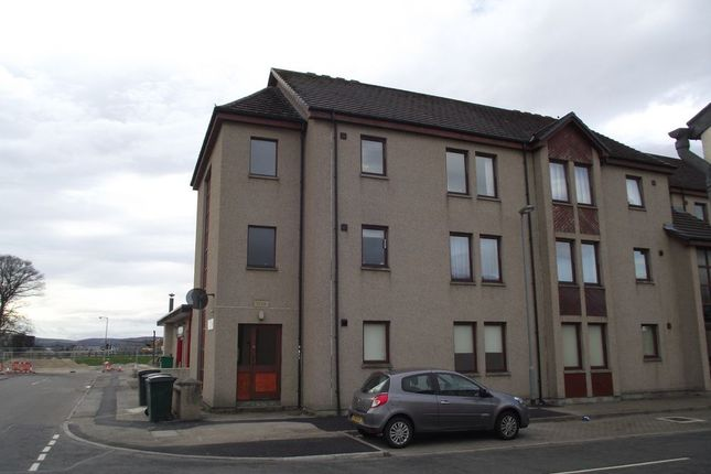 Thumbnail Flat to rent in Kingsmills Court, Moray, Elgin