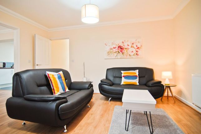 Thumbnail Flat to rent in Bassett Green Road, Southampton