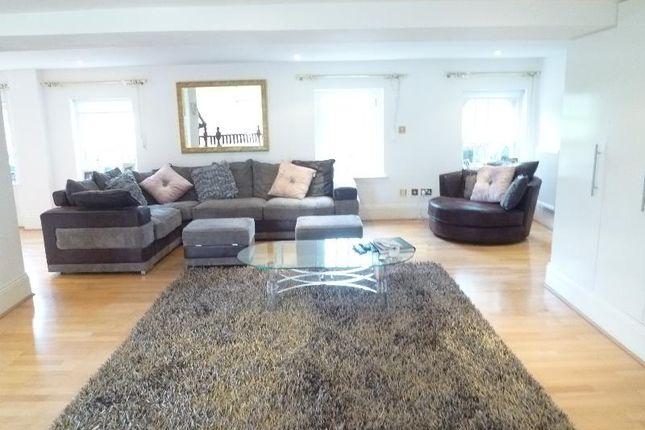Thumbnail Flat to rent in Princess Park Manor, Royal Drive, Friern Barent, London