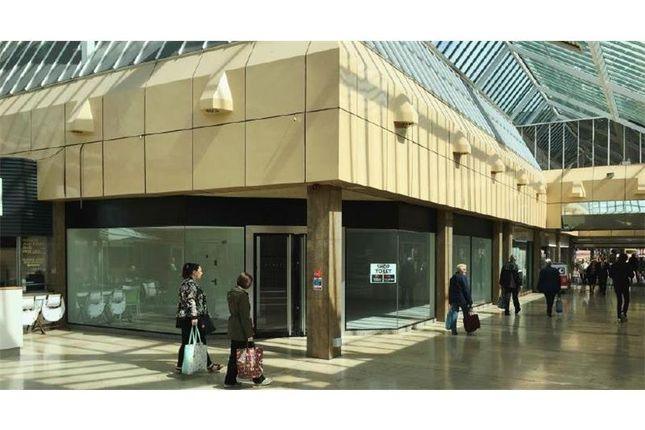 Thumbnail Retail premises to let in Unit 8, Roebuck Shopping Centre, High Street, Newcastle-Under-Lyme, Staffordshire, UK