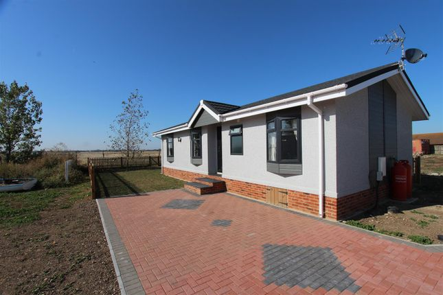 Mobile/park home for sale in Irwin Road, Minster On Sea, Sheerness
