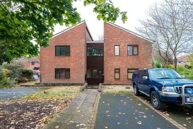 Thumbnail Flat for sale in Draperfield, Chorley