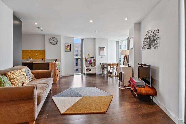Thumbnail Flat for sale in Tennyson Apartments, Saffron Central Square, Croydon