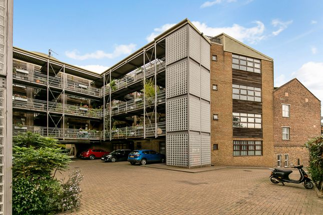 2 bed flat for sale in Acton Lane, London NW10