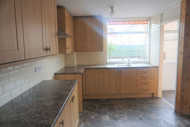 Kitchen of Quantock Close, Hull HU3