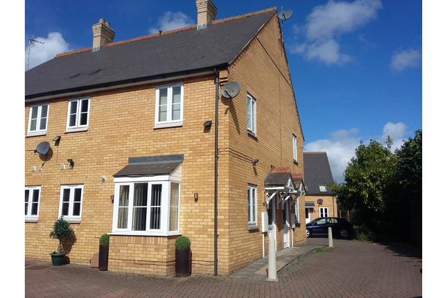 Thumbnail Town house for sale in Admiral Court, Spalding