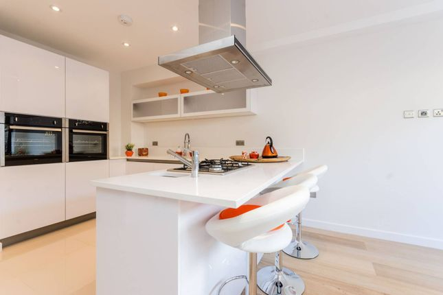 Thumbnail Property for sale in Tiller Road, Isle Of Dogs
