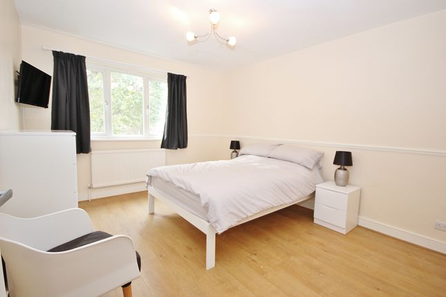 Room to rent in Brick Lane, London E2