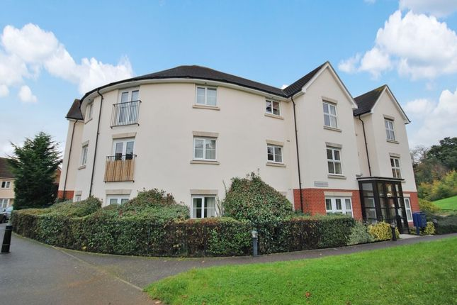 Thumbnail Flat for sale in Rosseter Close, Chelmsford