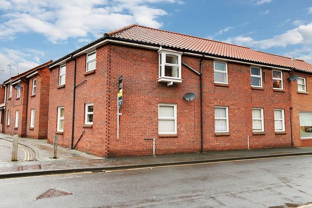 Thumbnail Flat for sale in Grove Hill, Hessle