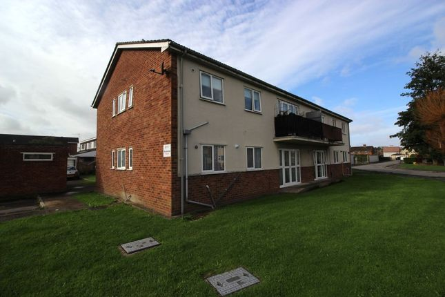 Thumbnail Flat to rent in Ilex Avenue, Clevedon