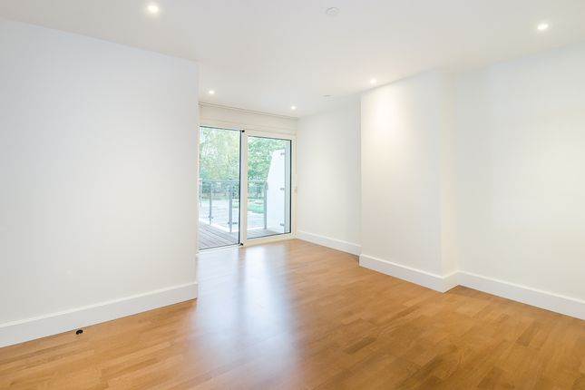 Bedroom of Henry Macaulay Avenue, Kingston Upon Thames KT2