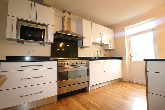 Thumbnail Bungalow to rent in Water Lane, Ilford, Essex