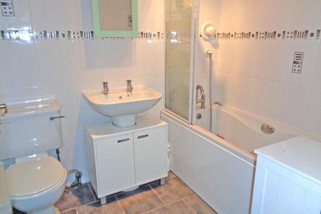 Lev0785Aab Bathroom
