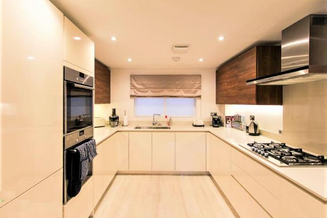 Flat-13-Kitchen-2