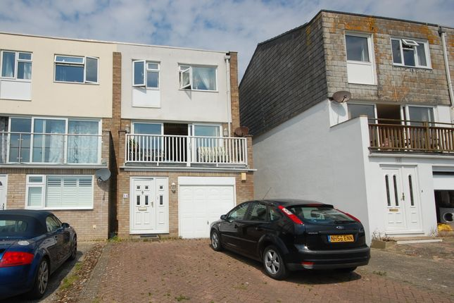 Thumbnail Town house for sale in Kingsway, Selsey