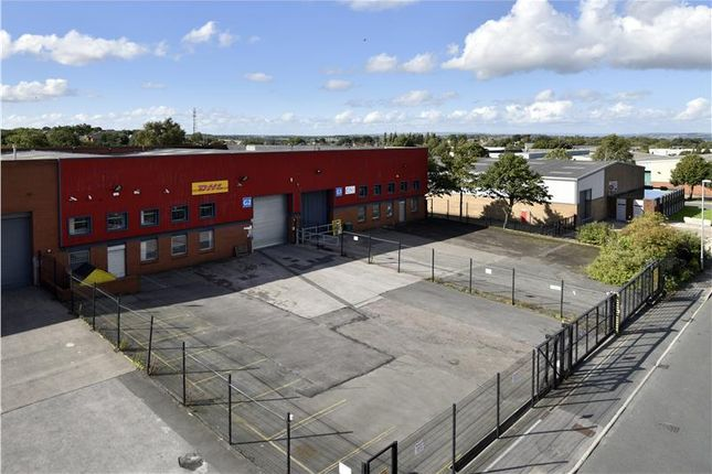 Light industrial to let in Unit G1, Gildersome Spur Industrial Estate, Leeds, West Yorkshire