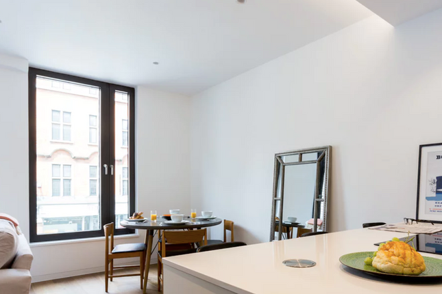 1 bed flat to rent in 71-77 Wigmore Street, London
