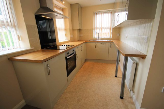 Thumbnail Flat to rent in Bryslan House, Upper Street, Fleet, Hants