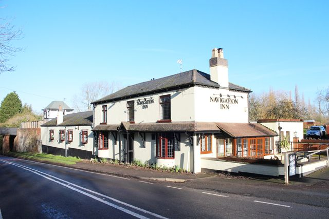 Thumbnail Pub/bar for sale in Stratford Road, Henley In Arden