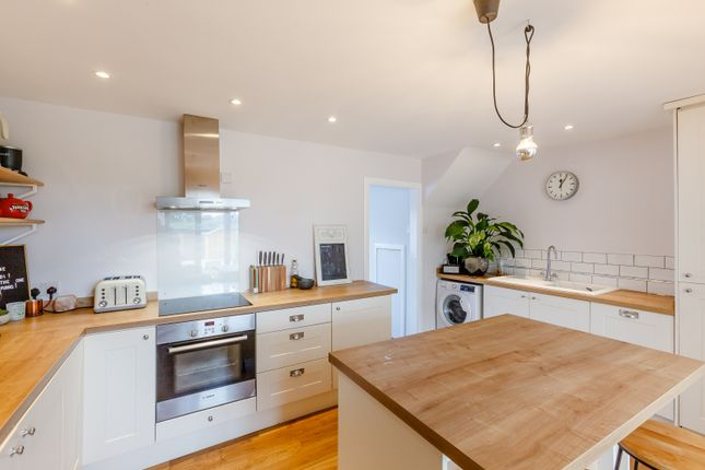 Thumbnail Terraced house for sale in Ash Grove, Chelmsford