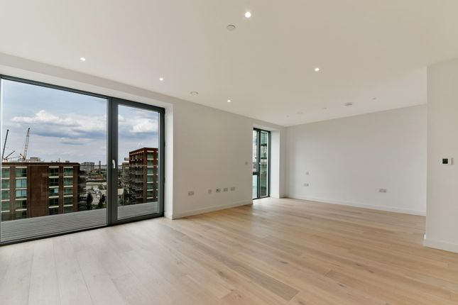 Thumbnail Studio to rent in Pendant Court, Royal Wharf, London