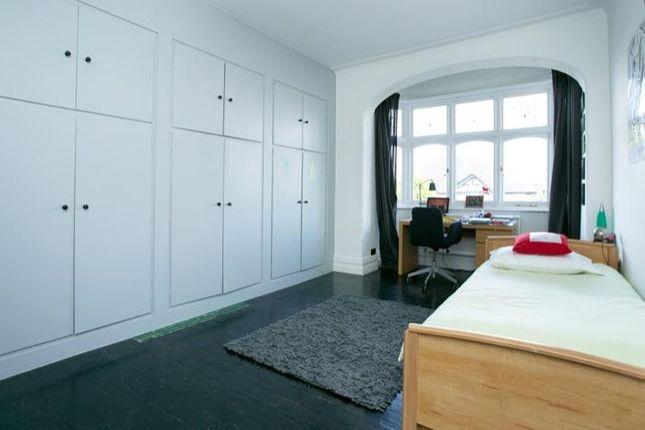Bedroom 1 of Kirkstall Road, London SW2