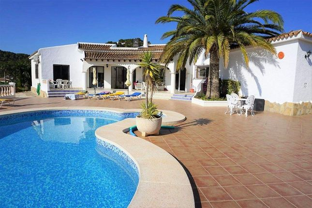 Chalet for sale in Calp, Alacant, Spain